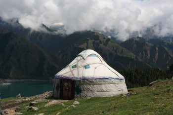 Urumqi – Tian Shan Mountains – Tianchi (Heavenly) lake