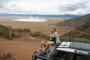 Manyara Lake and Ngorongoro crater – enjoy wildlife colours of savanna