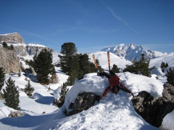 Sellaronda: 500 km ski slopes in most scenic area of Dolomites