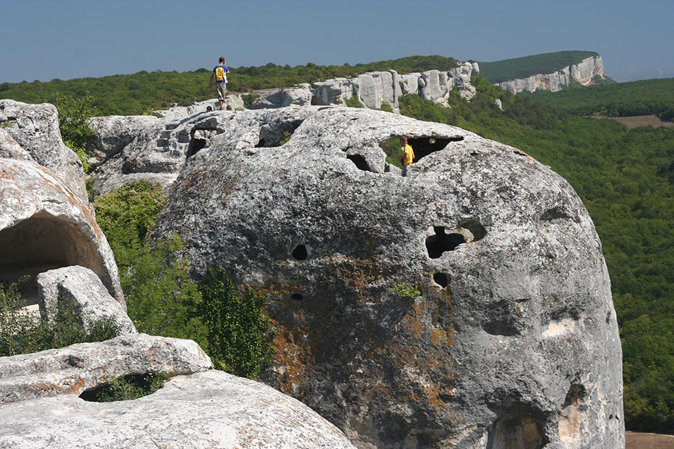 6 hiking routes in Crimea mountains