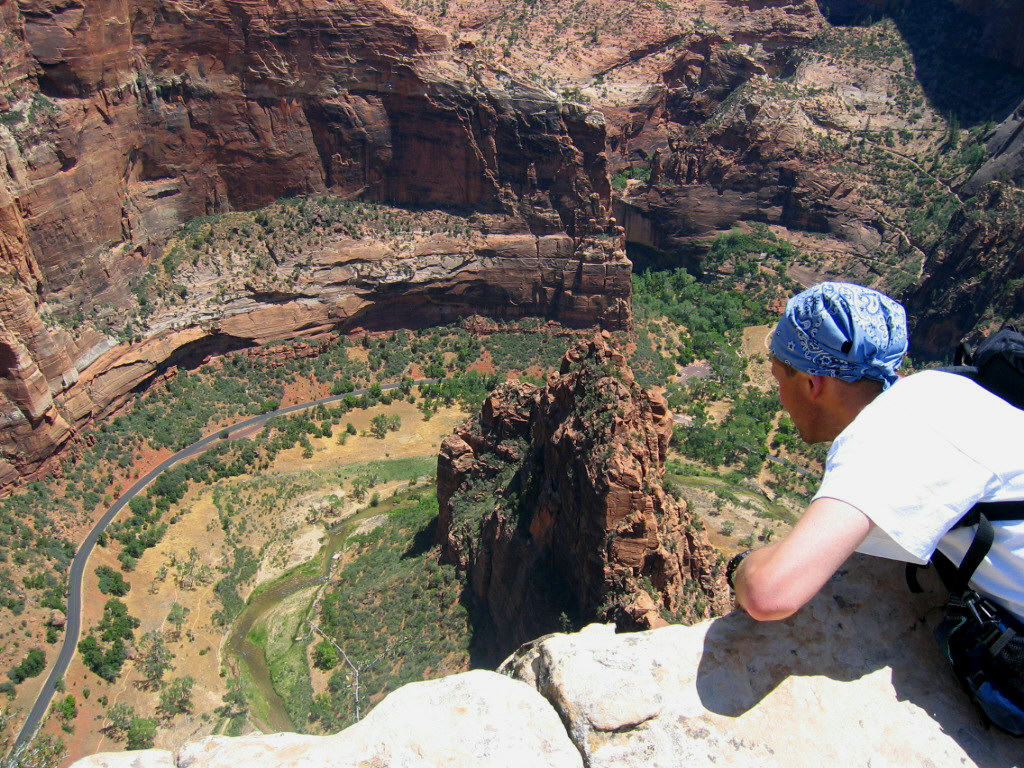 Angels Landing trail, Zion Canyon, Utah: how you feel walking by roof of 150 store building