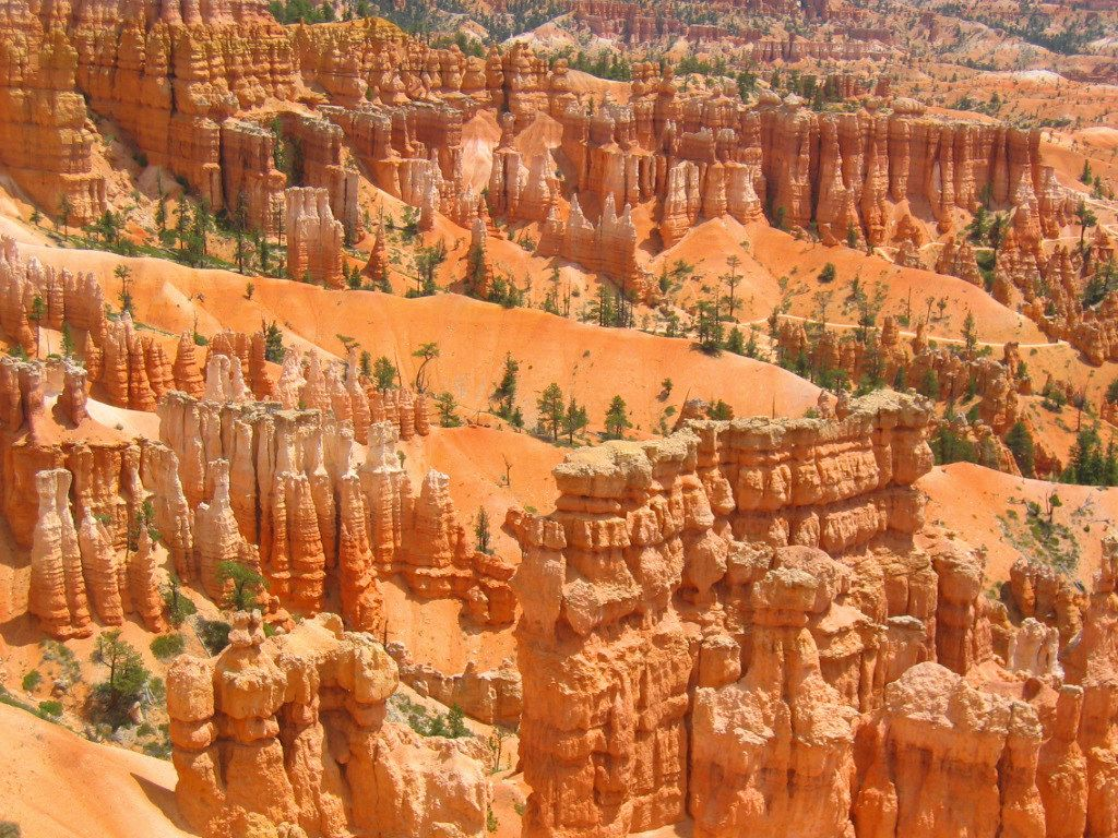 Queens Garden and Navajo Loop Trail, Bryce Canyon, Utah: most wonderful sandstone rocks on our Planet