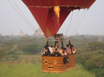 Ballooning over 2200 temples of Bagan – all times best adventure