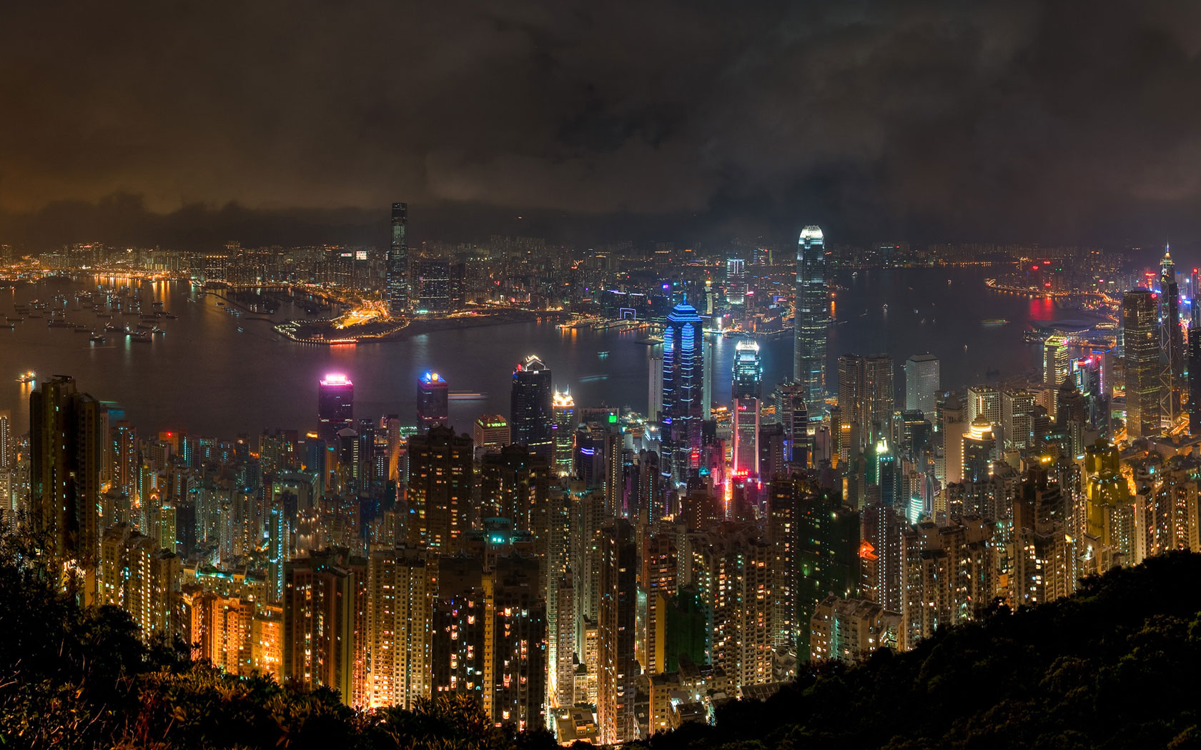 Neighbourhoods of Hong Kong after dark